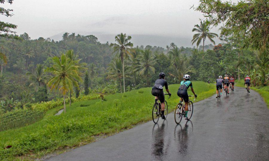 Tip Bersepeda di Jalan Menurun